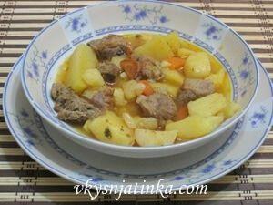 Тушеный картофель с мясом - фото