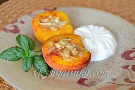 Запеченные персики - фото